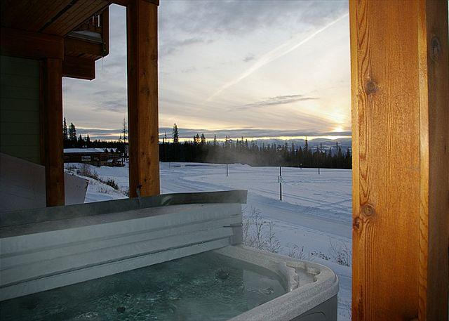 Snowfall Lodge 2, Hot tub, Big White, BC - Snowfall Lodge #2 Happy Valley Location Sleeps 8 - Big White - rentals