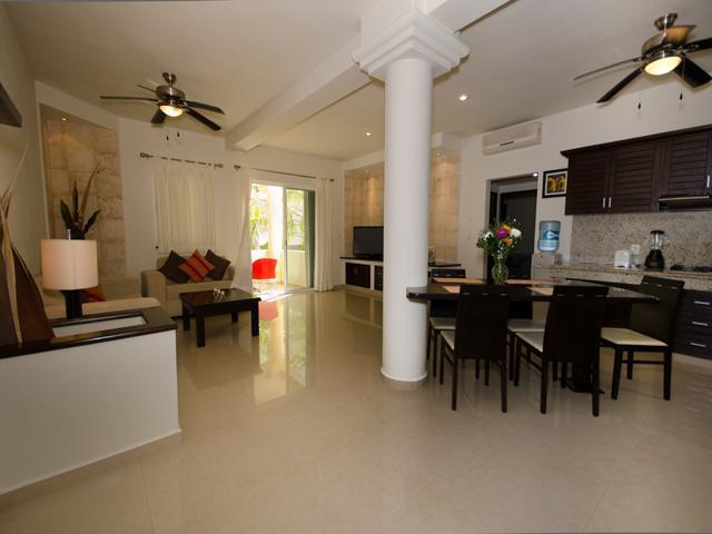 ATHENA 2 bedroom condo - superb location! - Image 1 - Playa del Carmen - rentals