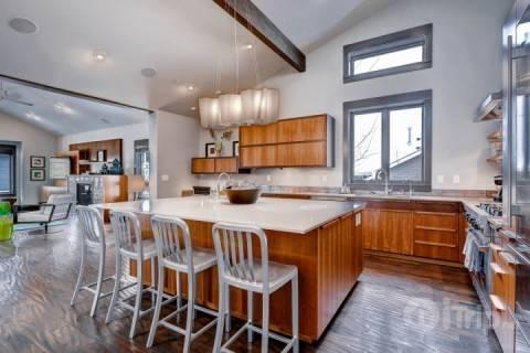 Open-concept living with high quality modern design, furnishings and fixtures; vaulted ceilings show off the stunning ski town home. - Modern Ski Home - Park City - rentals