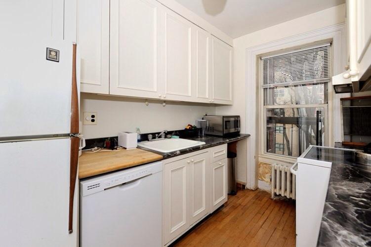 Midtown Large East Side 2 Bedroom #8454 - Image 1 - New York City - rentals