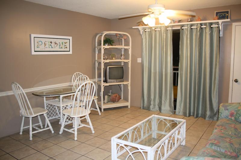 Living Room - 2 Bedroom Condo in Beautiful Orange Beach - Orange Beach - rentals