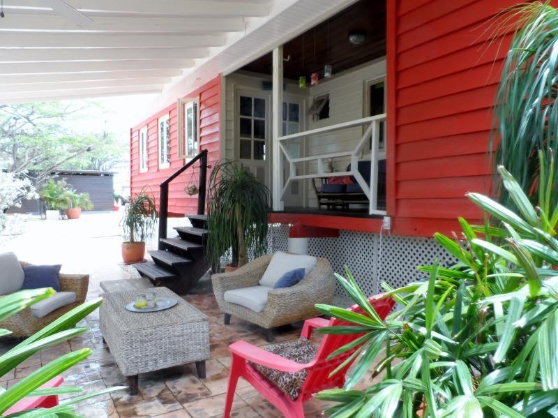 Tropical CHALET Aruba. (No hablo Espanol) - Image 1 - Paradera - rentals