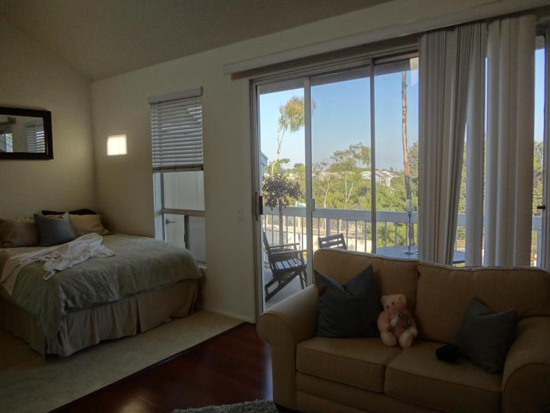 Studio with all amenities, 1 mile from the beach - Image 1 - Huntington Beach - rentals