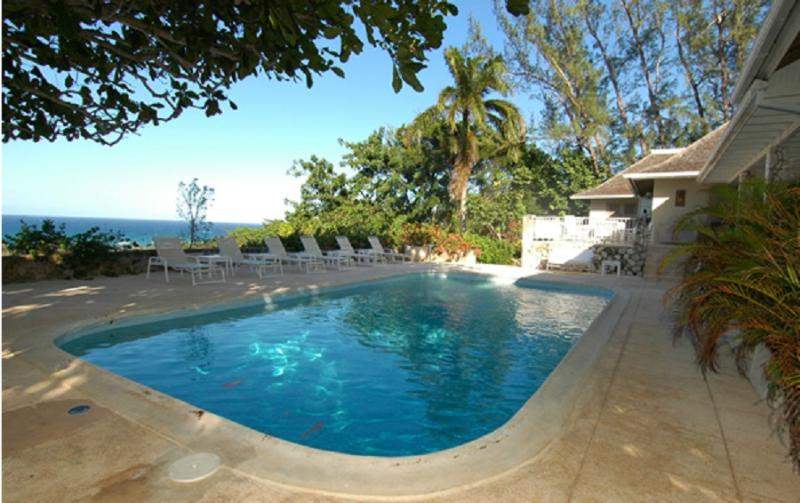 PARADISE TAC - 83377 - SECLUDED 3 BED FAMILY VILLA WITH SPECTACULAR VIEWS - MONTEGO BAY - Image 1 - Montego Bay - rentals