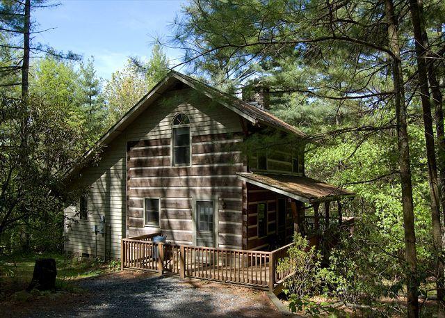 Ashe Mountain Dream - Antique Style Log Cabin w/ Hot Tub - Near Todd & WJ - Image 1 - Fleetwood - rentals