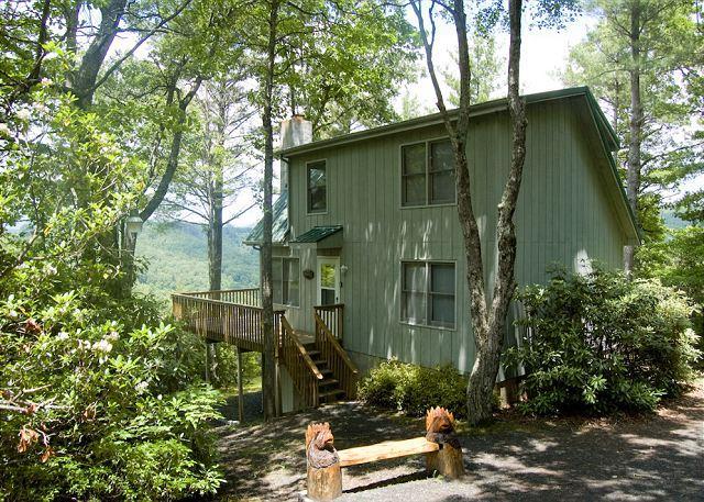 Chalet w/ Mountain Views & River Access - Outdoor Fireplace - Fleetwood Falls - Image 1 - Fleetwood - rentals