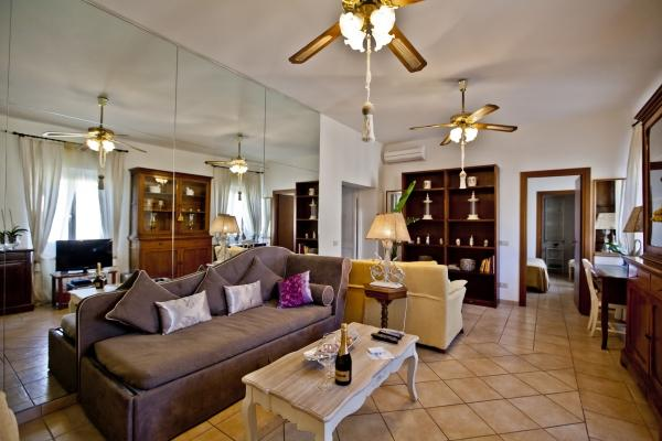 CR655b - Navona  Awesome Apartment with inner lift - Image 1 - Rome - rentals