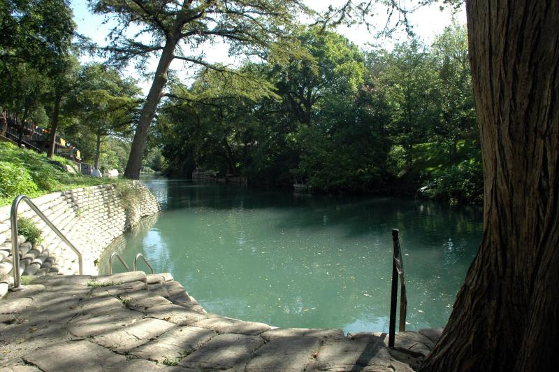RIVER VIEW! Gorgeous 2/2 Camp Warneke Condo - Image 1 - New Braunfels - rentals
