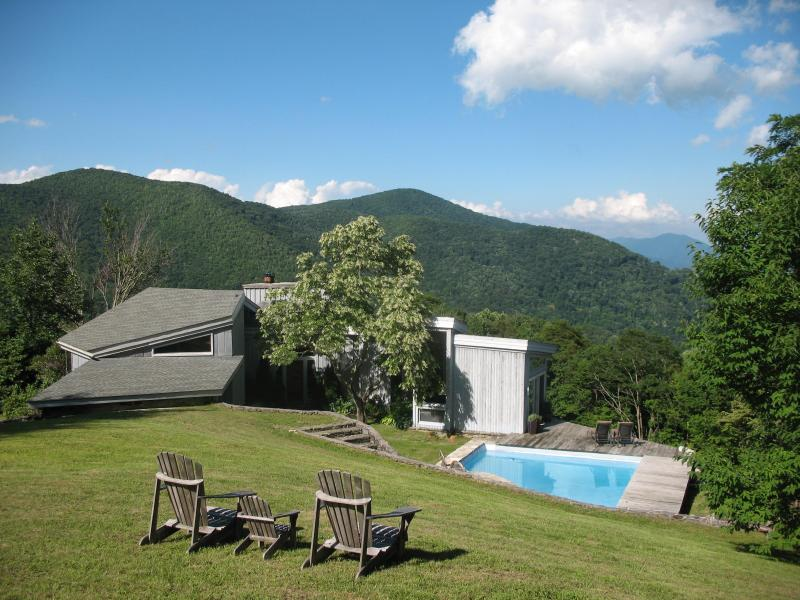 Rustic retreat w/pool 1 mi. to Smoky Mtn Ntl Park - Image 1 - Maggie Valley - rentals
