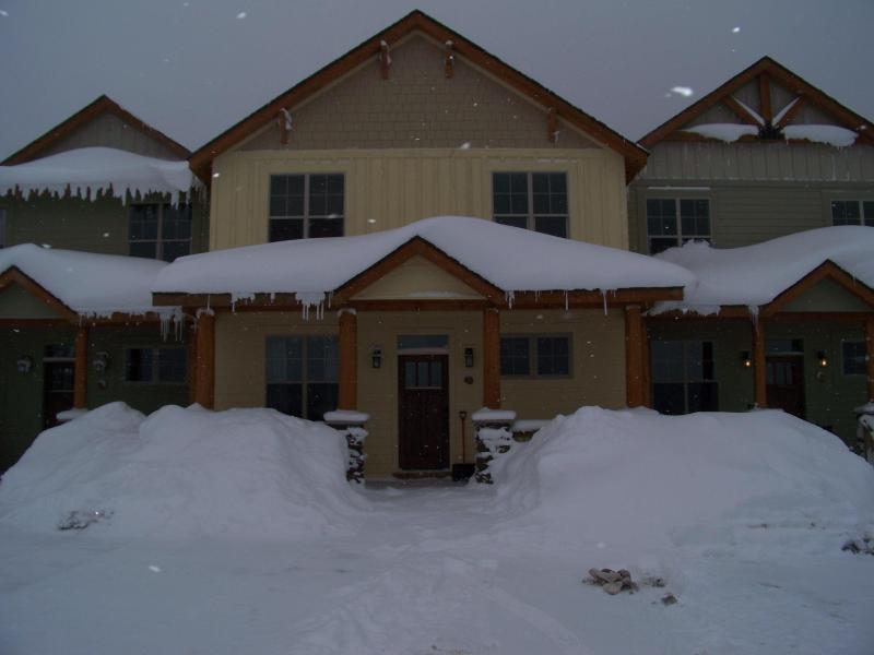 Black Bear Crossing Ski in/out 7 Bedroom - Image 1 - Snowshoe - rentals