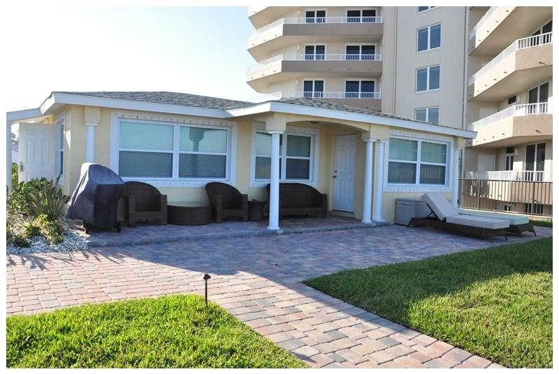 Front view. - Home $pecial - Vacation Home - North Villa - Daytona Beach - rentals