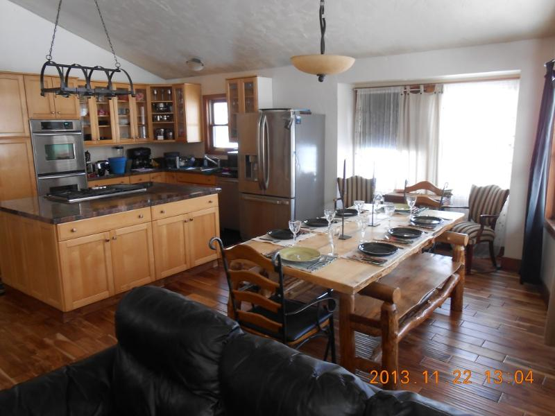 Custom Aspen Log Furniture and New Hard Wood Flooring..exotic teak - GREAT FAMILY HOME  BOOK NOW ..Happy Holidays - Steamboat Springs - rentals