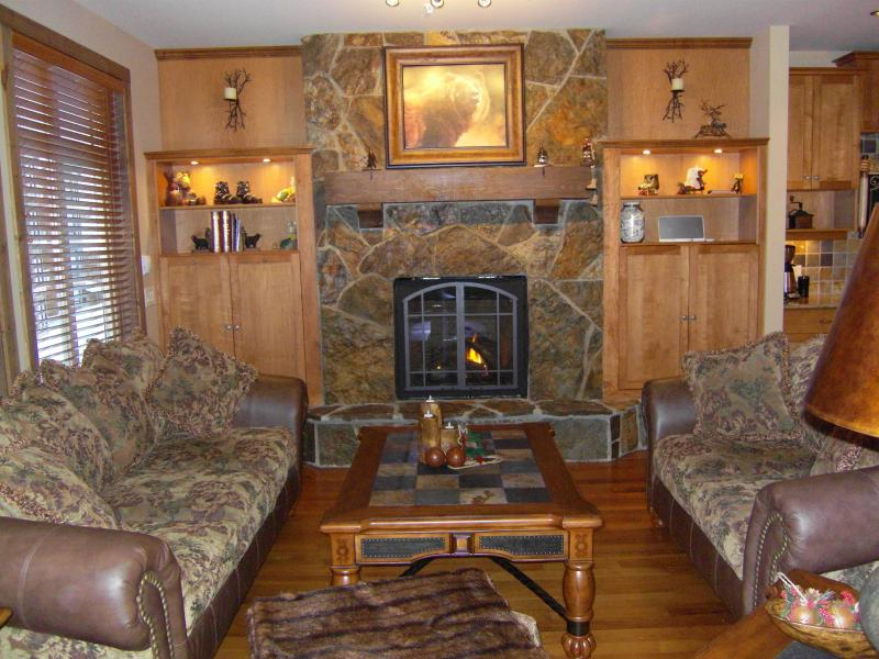 Living Room - 2 Bdrm Condo in the Heart of Big White HappyValley - Big White - rentals