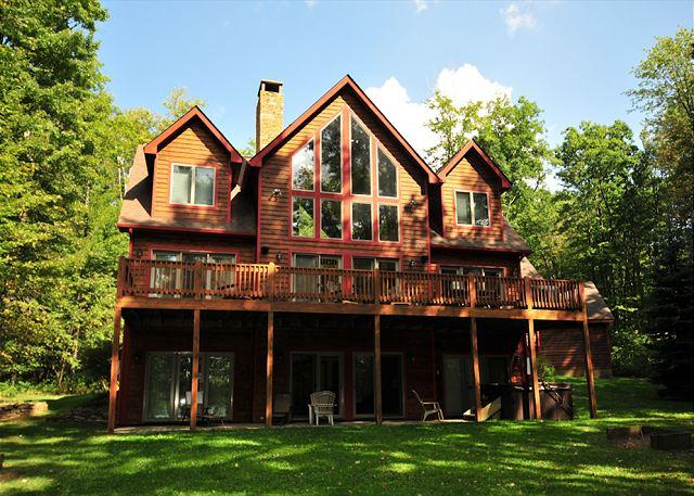 Exterior - Beautiful Lake Front, Spacious Lawn; Horseshoes, Firepit and Dock Slip - Swanton - rentals