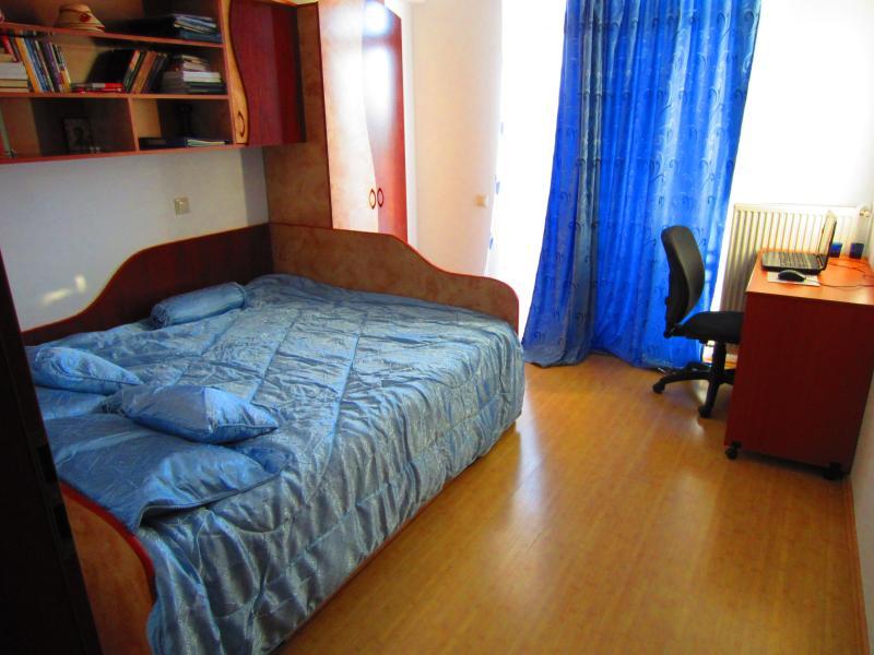 Breezy Room - Julian's Breezy Room - Bucharest - rentals