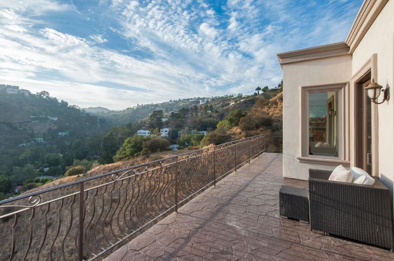 Hollywood Grand Villa - Image 1 - Los Angeles - rentals