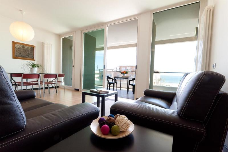 DINING ROOM SEA VIEW / SALOTTO VISTA MARE - RESIDENCE PENTHOUSE WITH SEA VIEW IN RIMINI - Rimini - rentals