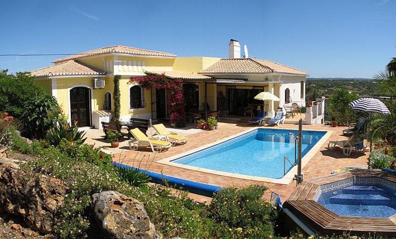 Quinta dos Sonhos (House of Dreams) - Luxury 4+ bedroom Algarve villa, with heated pool - Mexilhoeira Grande - rentals