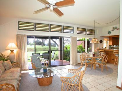 Living Room - Hawaiian Style Relaxation & VALUE on Maui - Lahaina - rentals