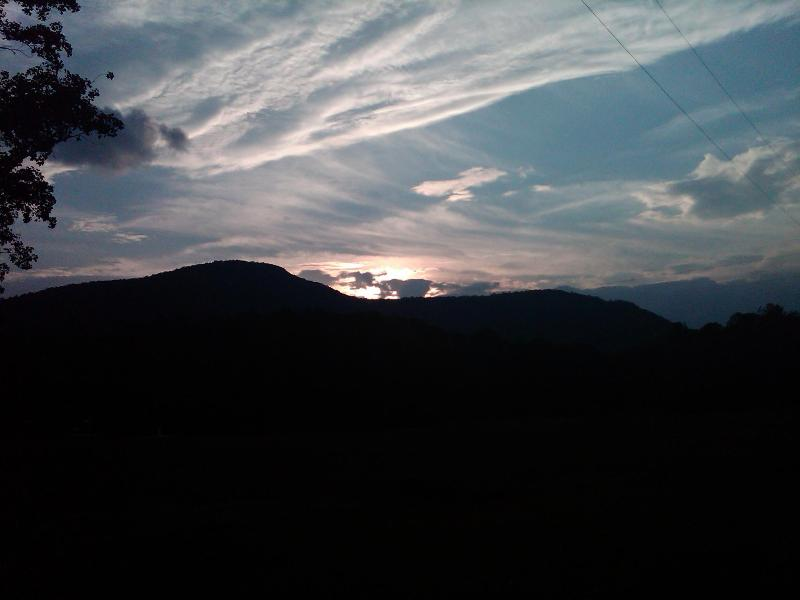 Beautiful sunsets-Hiking trails - Hopewell/2 bedroom-2 bath/handicap-ADA/sleeps 6 - Sapphire - rentals