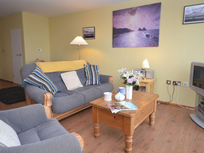 Lounge area with beach and sea views - NAUTI - Westward Ho - rentals