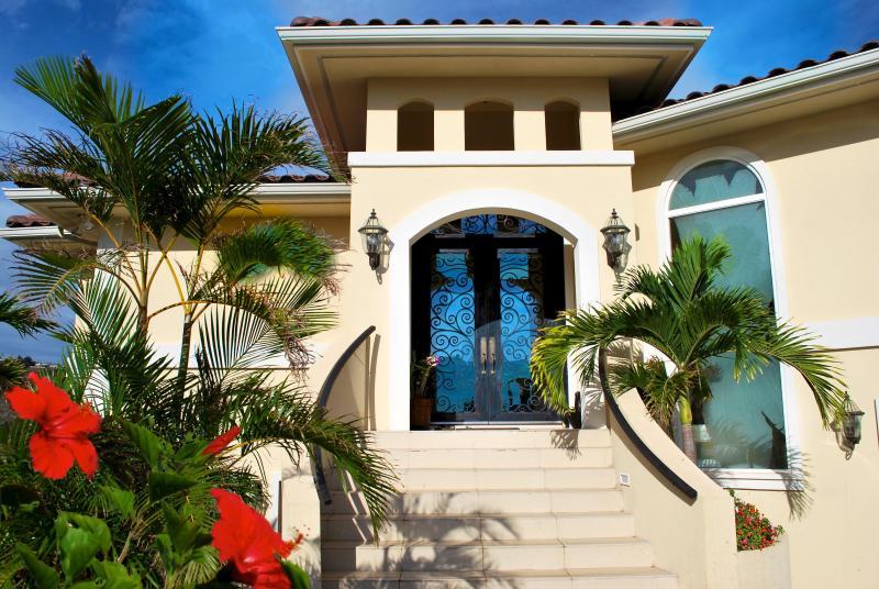 Gateway to Your Dream Vacation - Kahala Kua Ocean Views - Honolulu - rentals