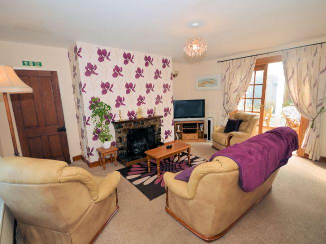 Lounge area leading to conservatory - PEBBR - Westward Ho - rentals