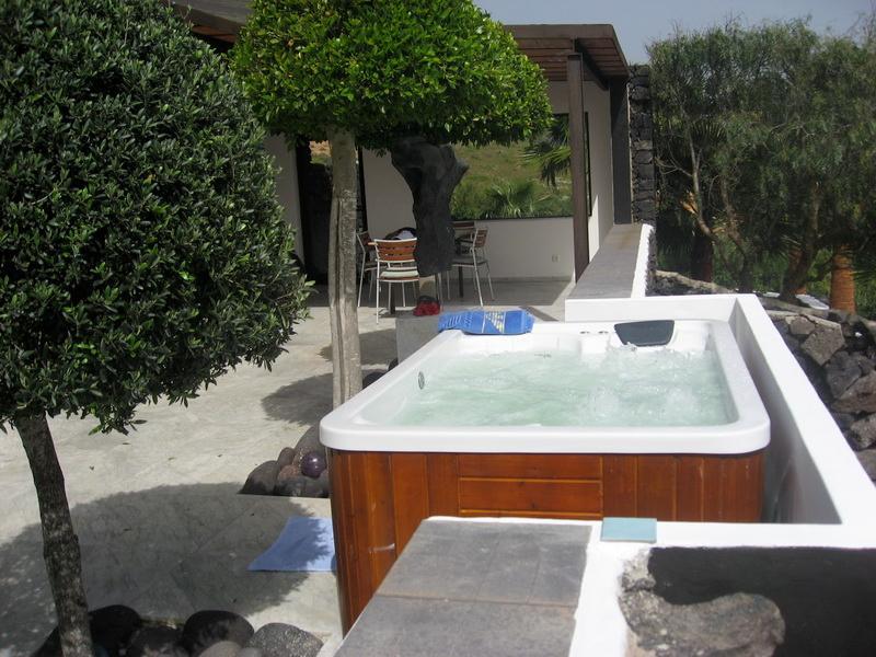 Holiday Bungalow Empireo - Image 1 - Lanzarote - rentals