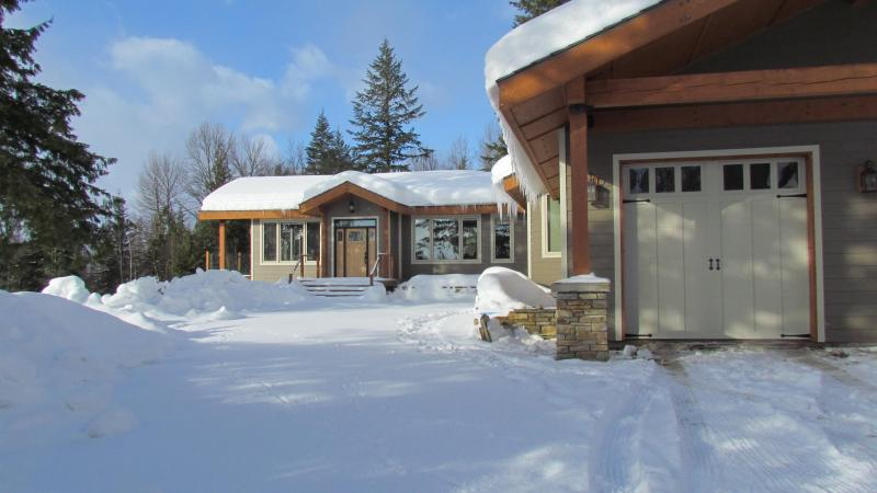 4 Bedroom Luxury House on 12 Acres near Ski Hill! - Image 1 - Revelstoke - rentals