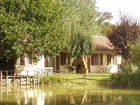 Gites facing the lake for fishing - Le Mas du Ponteil gite in Dordogne pool + fishing - Sarlat-la-Canéda - rentals