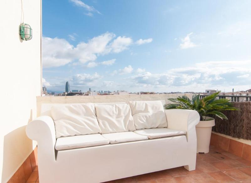 Central with terrace - Image 1 - Barcelona - rentals