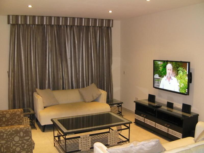 Hamptons Short Let Luxury Apartment, Lagos Nigeria - Image 1 - Lekki - rentals