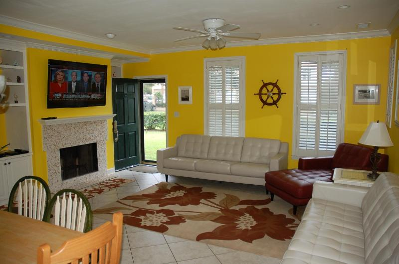 Living Room with big screen TV - Oceanview Condo just 100 yards from the Beach - Saint Simons Island - rentals