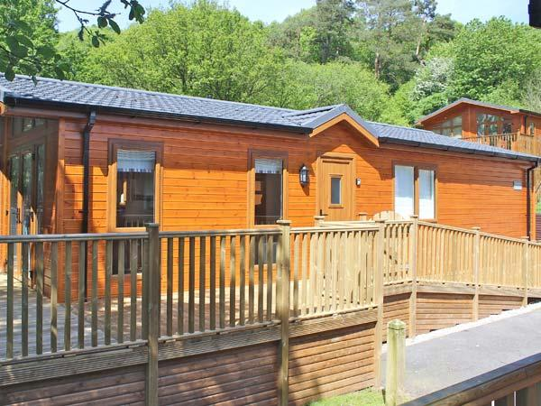 BLUEBELL LODGE en-suite facilities, on-site swimming pool and WiFi, Sky TV, lodge near Troutbeck Bridge, Ref. 30217 - Image 1 - Troutbeck Bridge - rentals