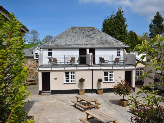 Semi detached cottage (right hand side) - CORF5 - Tawstock - rentals