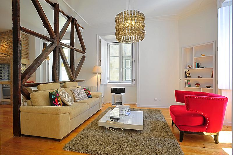 Travessa III- bright, glamorous, in the heart of the historic center - Image 1 - Lisbon - rentals