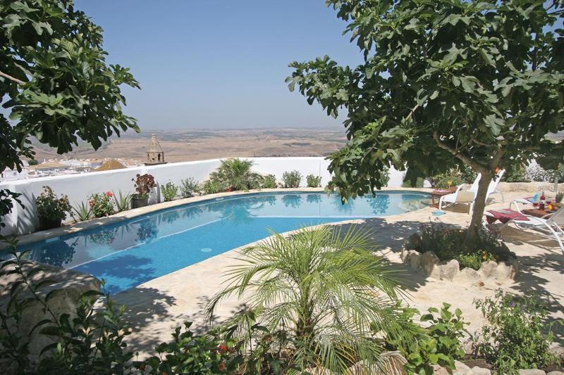 Inviting pool - La Vista de Medina; self-catering suites & 2 pools - Medina-Sidonia - rentals