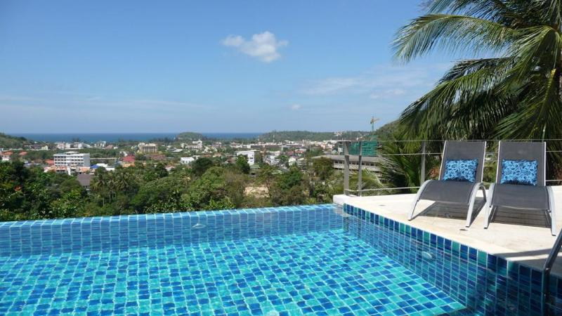 The infinity pool, terrace and stunning views over Kata, the ocean, tropical jungle and Big Buddha - Amazing 5-bedroom pool villa stunning seaview Kata - Kata - rentals