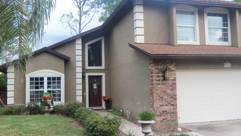 Exterior of Home - Bird Nest Retreat - Winter Springs - rentals