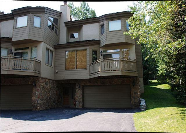 Golf Course Townhome #61 4 Bedrooms 4 Bathrooms Gold Unit - Image 1 - Vail - rentals