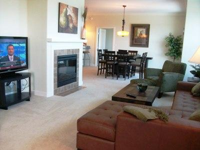 Living room with flat screen TV. - $ummer $pecials- Ocean Vistas #810 - Daytona Beach - rentals