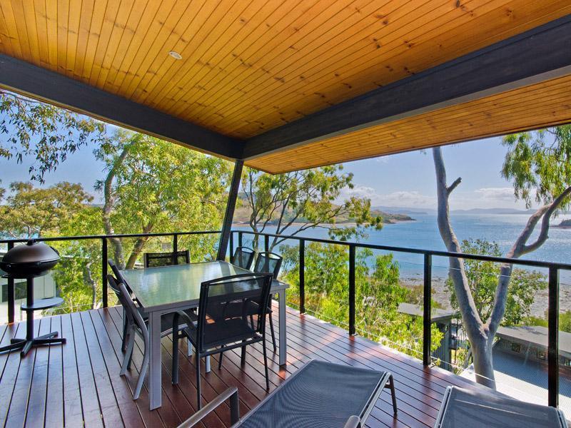 Fantastic corner balcony! - Shorelines 13 - Hamilton Island - rentals