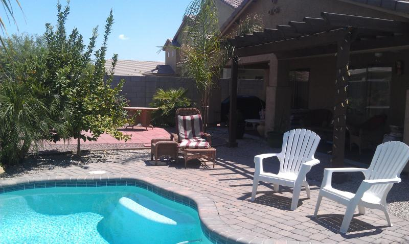Sparkling Backyard Heated Pool - Escape Winter in AZ -4 bdm+HEATED POOL $700/wk - Florence - rentals