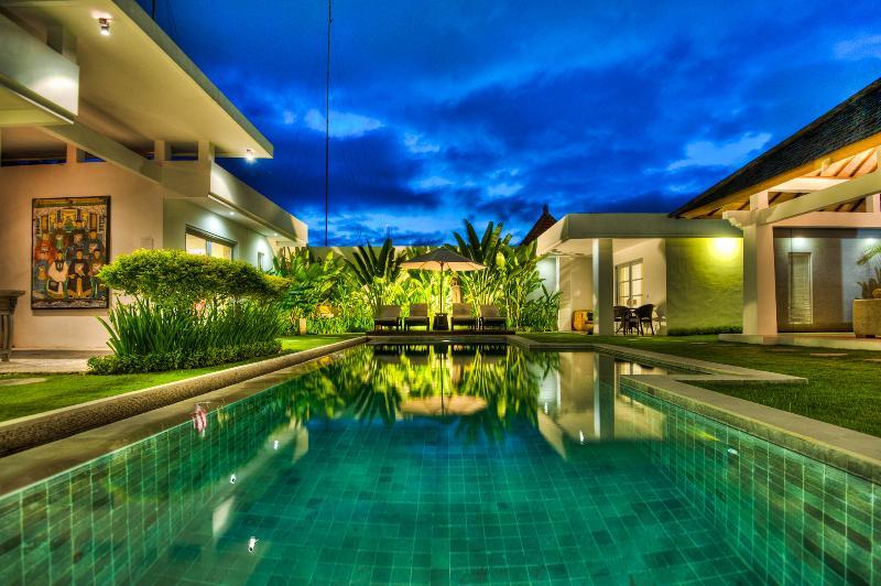 zara at night - Totally Awesome 4 Bdrm/4Bath Villa / Seminyak,Bali - Seminyak - rentals