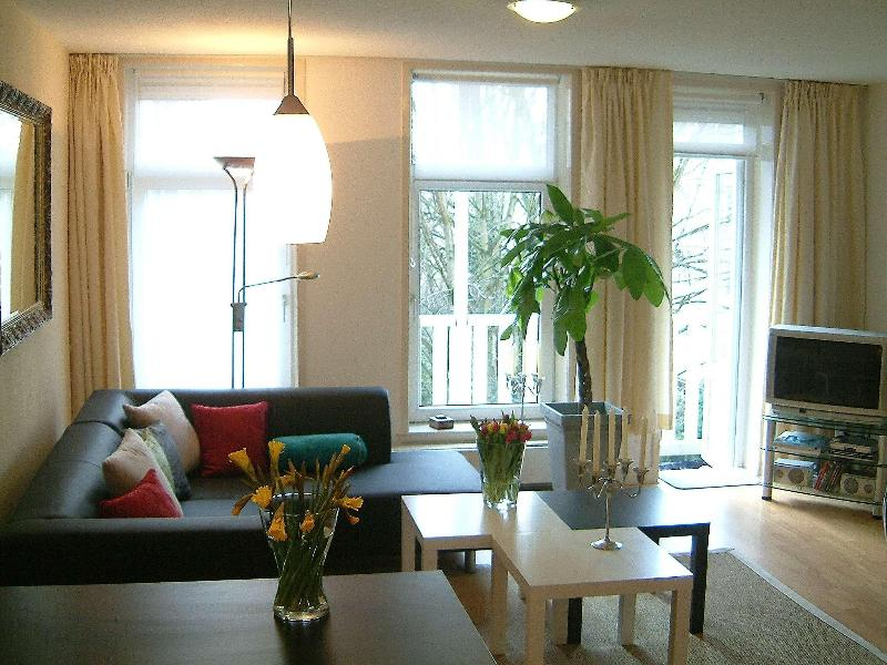 living area - Ruby Luxury Split Level - Heart of Museum District - Amsterdam - rentals