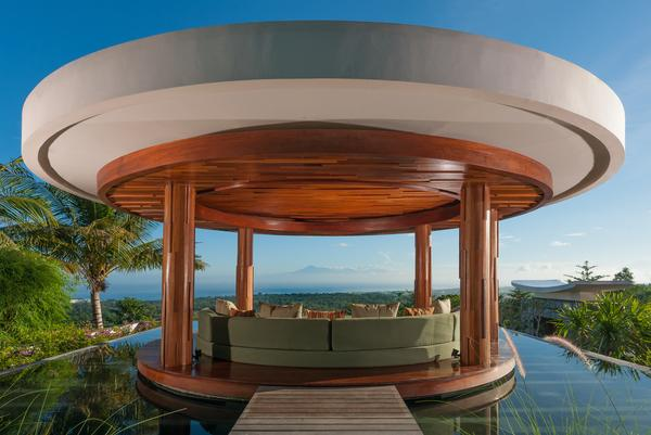 Outside Lounge Bale overlooking the Indian Ocean - Villa Ocean Breeze:Hilltop Luxury Villa with pool - Jimbaran - rentals