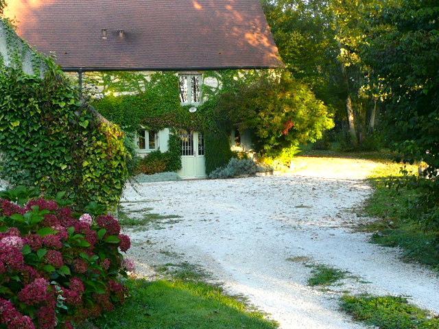 Moulin de Cussigny Charming 3 bedroom cottage - Image 1 - Corgoloin - rentals