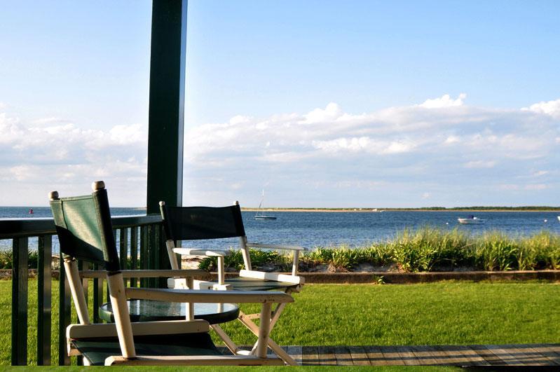 5 Bedroom 3 Bathroom Vacation Rental in Nantucket that sleeps 8 -(10305) - Image 1 - Nantucket - rentals