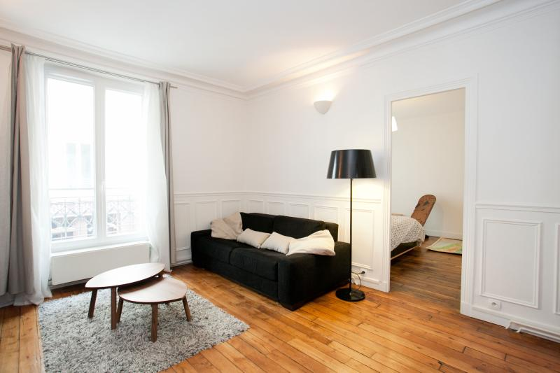 Living-room sofa bed - Apartment 6 people near Bastille by weekome.fr - Paris - rentals