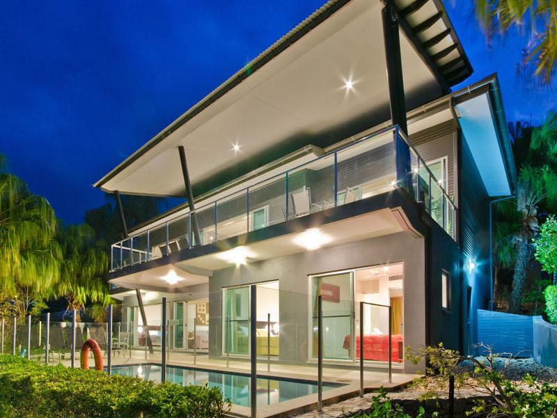 Paradise Villa at the Peninsula - Image 1 - Hamilton Island - rentals